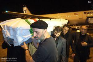 کیارستمی روی شانههای شهاب حسینی