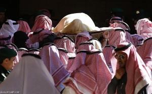 صور من صلاه المیت على الملک عبدالله 4