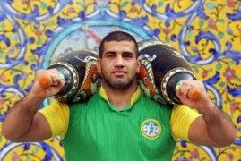 جابر صادقزاده قهرمان کشتیپهلوانی ایران شد