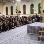 قائد الثوره: یجب الغاء الحظر عند التوقیع على الاتفاق النووی