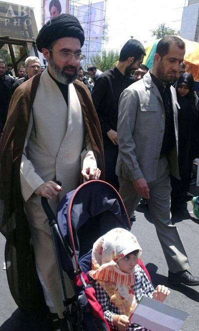 عکس/ فرزند رهبر انقلاب در روز قدس