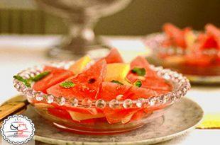 برش های هندوانه با شربت لیمو