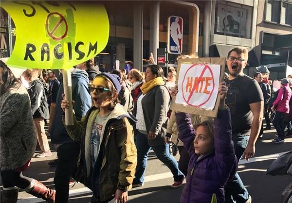 شهرهای آمریکا همچنان صحنه تظاهرات هزاران نفر از مخالفان ترامپ