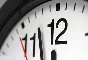 ساعت رسمی کشور ، یک ساعت به جلو کشیده میشود
