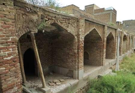 مرمت مدرسه 800 ساله