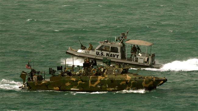 Two US Navy boats in Iran
