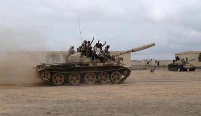 الحرس الخاص واللجان الثورية يواصلان الزحف نحو عدن