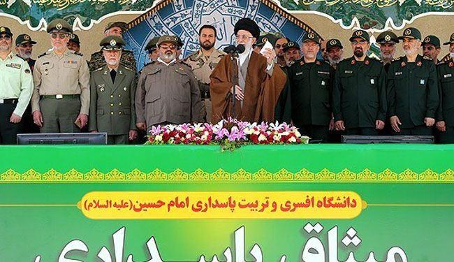 قائد الثورة الاسلامية في جامعة الامام الحسين (ع)