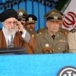 قائد الثوره الاسلامیه فی مراسم تخرج دفعه من ضباط الکلیه البحریه